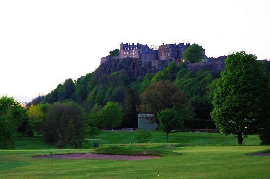 Park Lodge Hotel: Stirling Castle at dusk