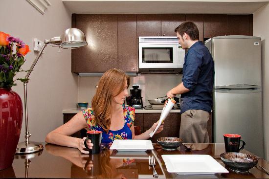 ذا إن آت سانت بوتولف: Suites include kitchenettes with full size refrigerators. (A 24hr grocery store is right around 