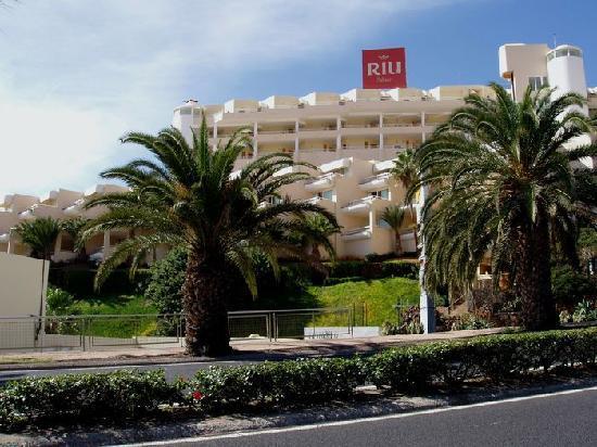 Hotel Riu Palace Jandia: Anblick von der Straßenseite