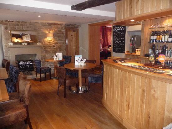The Devonshire Arms at Pilsley - Restaurant: Bar area