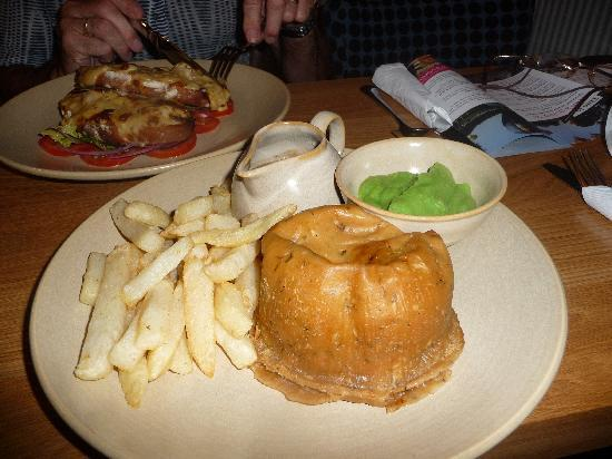 The Devonshire Arms at Pilsley - Restaurant: Devonshire Arms Steak & Kidney Pudding