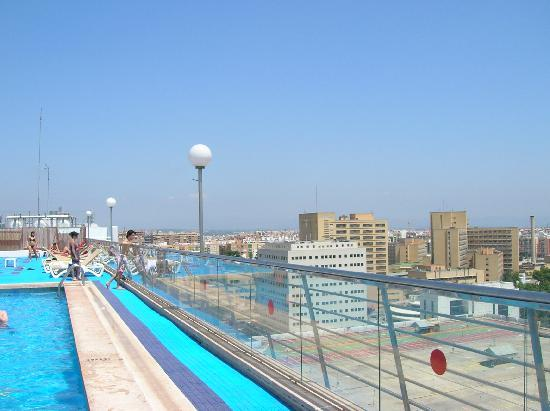 The rooftop pool picture of expo hotel valencia for Alencea piscine alencon