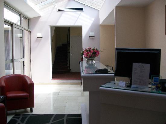 Amastan Paris: The Lobby 2
