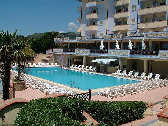 Panorama Residence: piscina
