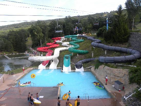 Camelbeach Mountain Waterpark: 4 tube slides