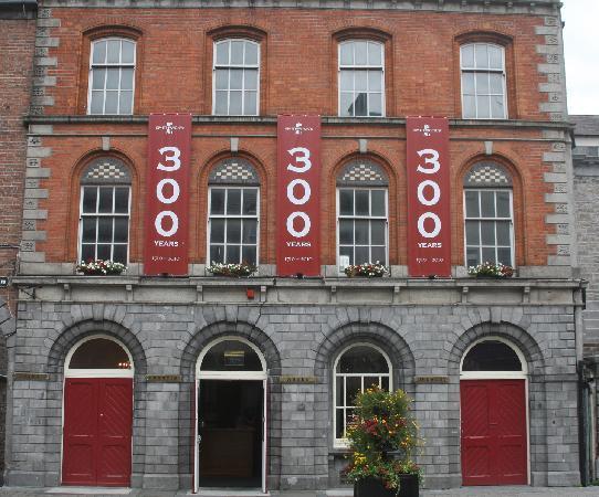 Kilkenny, Irlanda: Smithwick's Brewery Entrance