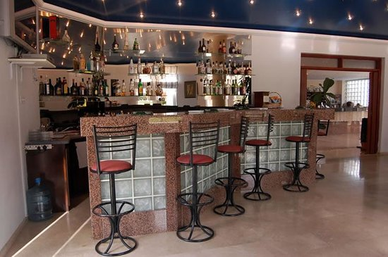 Mountain View Hotel & Villas: Mountain View Hotel's Blue Bar