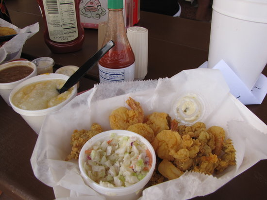 The Fish House : Shrimp & Oysters w/slaw