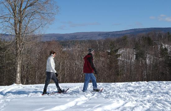 West Mountain Inn: Snowshoeing