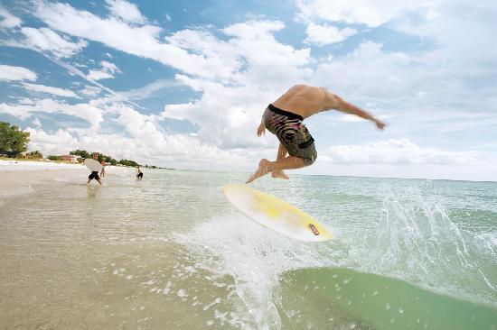Anna Maria Island, FL: Skinboarding on AMI