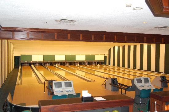 The Greenbrier: Bowling, Billards, & Game Room