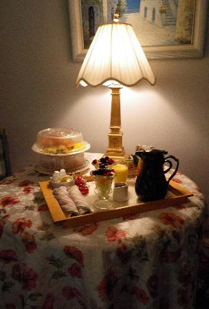 The Villa: Our favorite - complimentary breakfast delivered to the room!