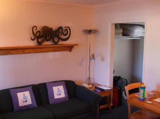 Buccaneer Inn: Living area, as viewed from front door