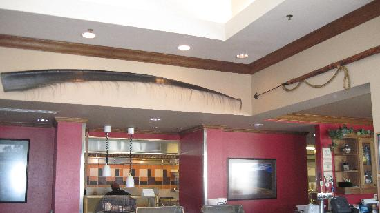 Hilton Garden Inn Anchorage: Lobby with baleen and harpoon on display