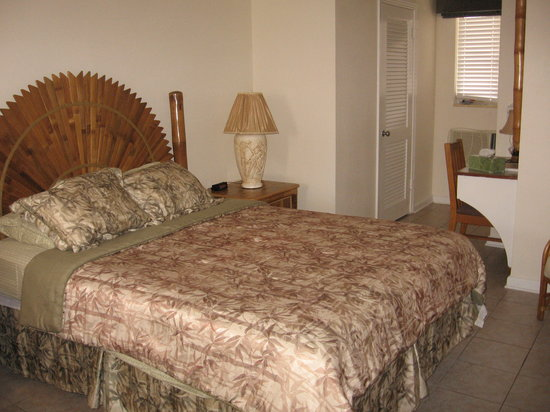 Gulf Tides Inn: bedroom