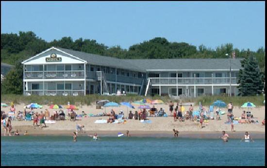 KebeK 3 Motel: Le Kebek3 vu de la plage