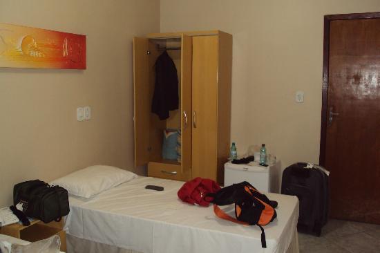 Hotel Villa Canoas: Visão do Quarto