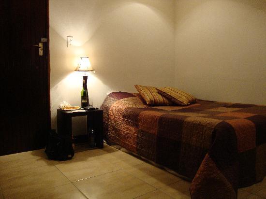 Lemurian Guest Lodge: Single room