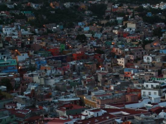 Casa Zuniga B&B: 部屋からの眺め 夕暮れ