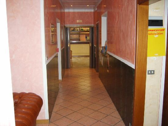 Hotel Sogno del Benaco: Reception2