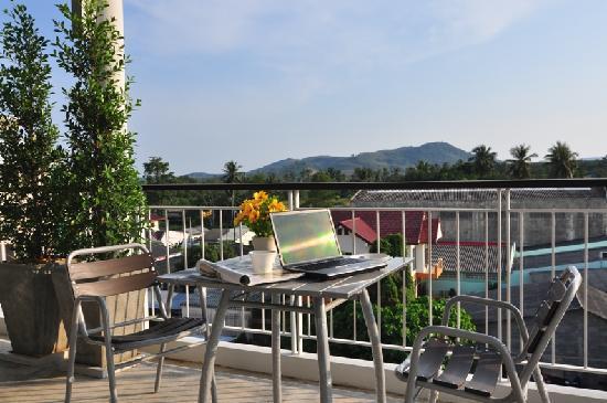 Rattana Residence: Roof Garden
