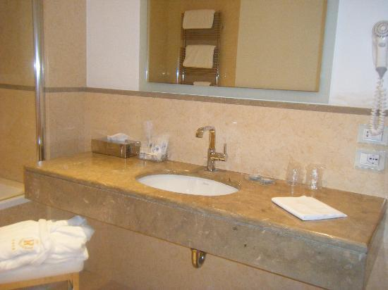 Hotel Plaza: The ensuite