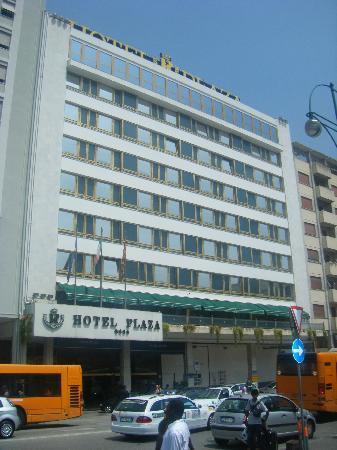 Hotel Plaza: The hotel