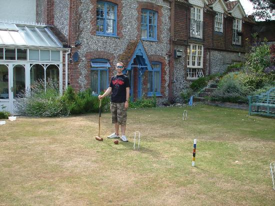 Burpham Country House: Game of croquet anyone?