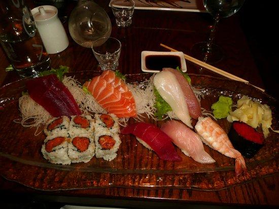 Natsumi: Sushi plate, super fresh