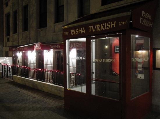 Pasha : Entrance