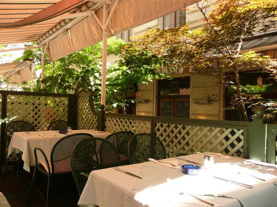 Weibel's Wirtshaus : Alfresco dining just outside the restaurant