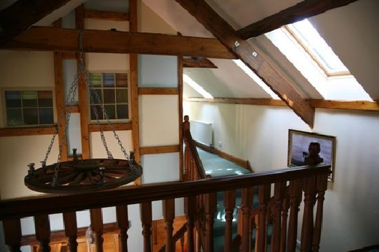 Jordanston Holiday Cottages: Yr Hen Efail stairs