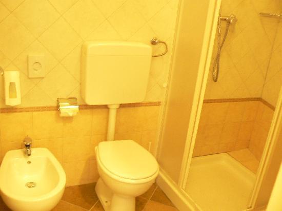 Eden Park Resort: Appartement - salle de douche