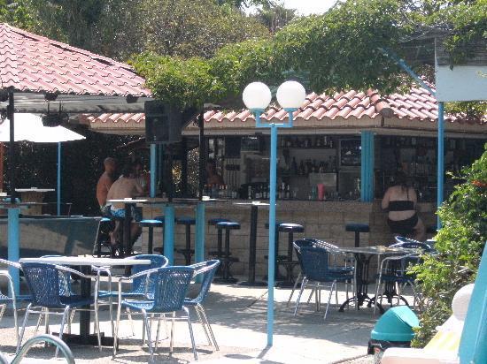 Sunny Days Hotel: bar area