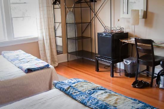 Third House Inn: The West Room