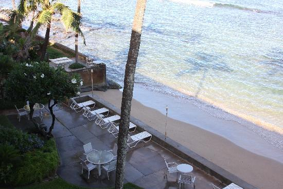 Makani Sands : Beach and lounges