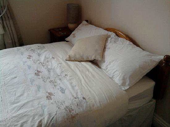The Pinegrove: Bedroom