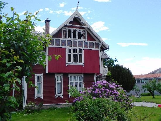‪‪Balestrand Hotel‬: Local house in Balestarnd‬