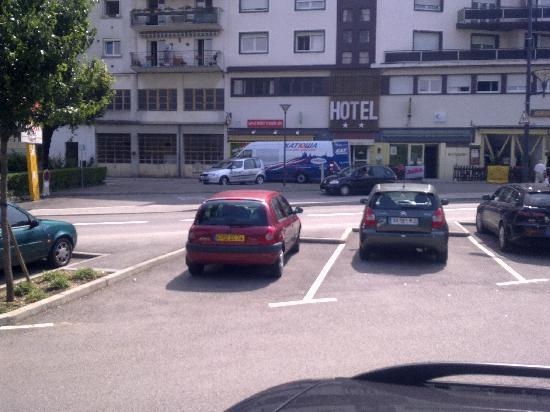 Hotel Saint-Hubert: front hotel