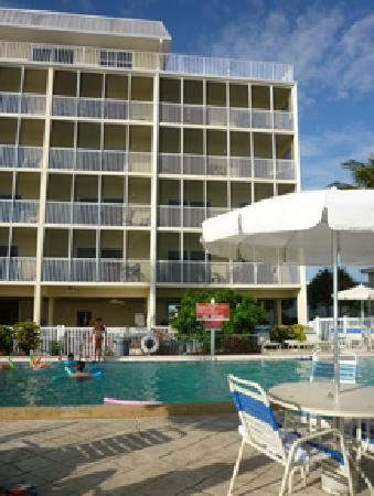Windward Passage Resort: Oceanfront units as seen from Estero