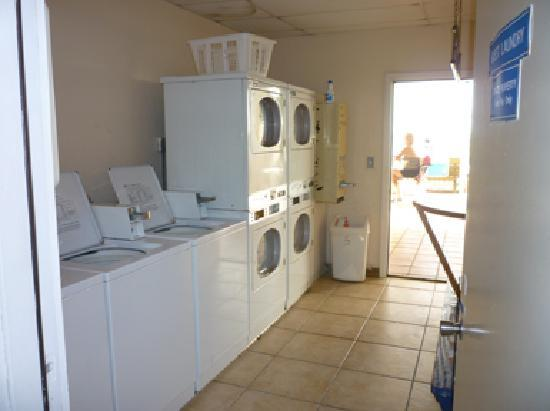 Windward Passage Resort: Laundry--the machines are free to use.