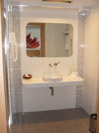 Hotel Marbella: Bathroom