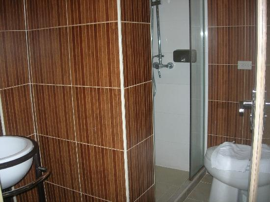 Smart Suites: Bathroom