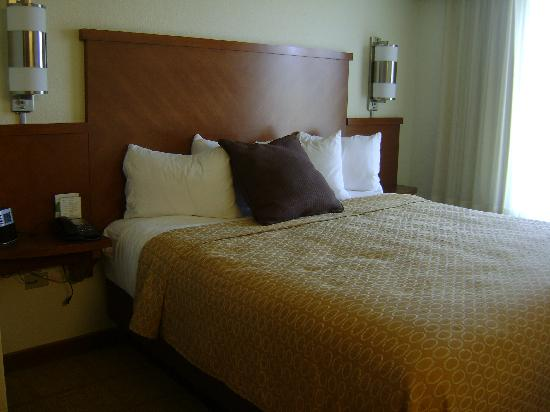 Hyatt Place Boise/Towne Square: very nice bed
