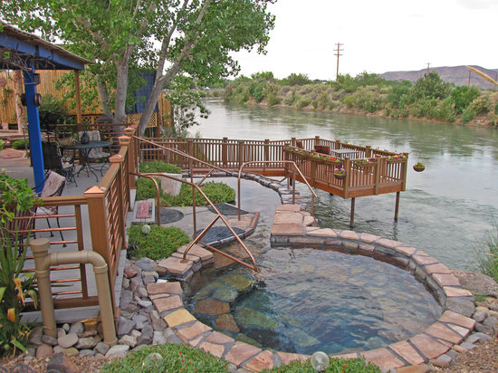 Truth or Consequences, Nuevo Mexico: NM's only hot springs on the Rio Grande