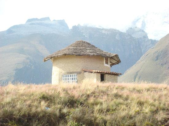 Llanganuco Mountain Lodge : Round House (Capacity 14)