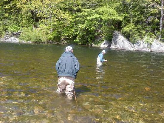 Charlemont, MA: BROTHERS FISHING AT mOPHAWK PARK