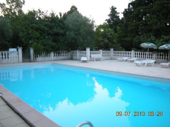 Le Carmel : La piscine environ 15m de long.