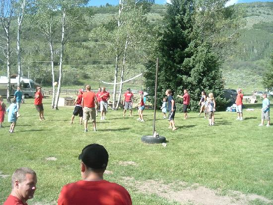 Moose Creek Ranch: Volleyball was a hit
