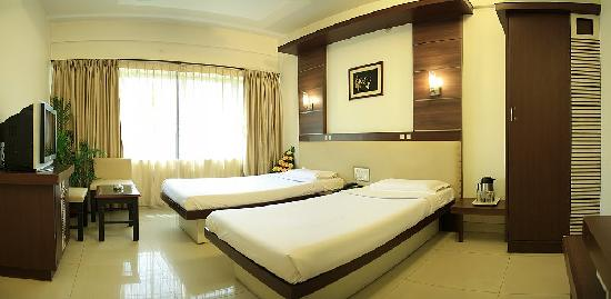 Golden Residency: DLX A/c ROOM